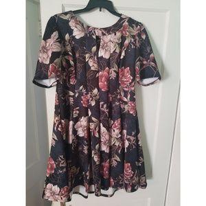 Short sleeve floral swing dress